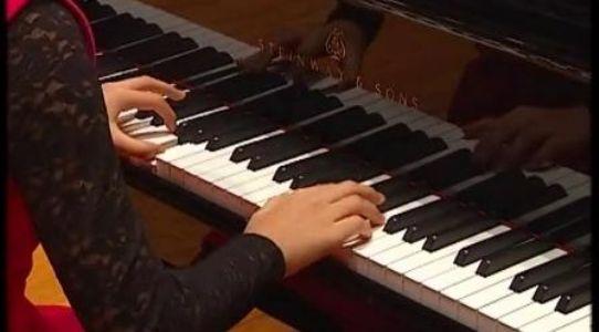 04小步舞曲 中央音乐学院钢琴(业余)考级教程 四级曲目